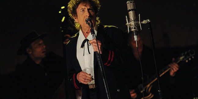 """Bob Dylan Performs """"The Night We Called It a Day"""" on David Letterman's Penultimate """"Late Show"""""""